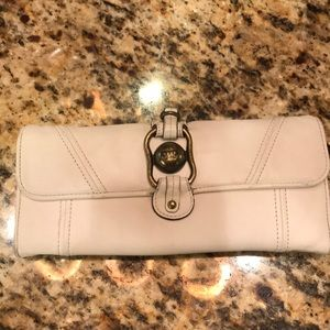 Juicy couture off-white wallet